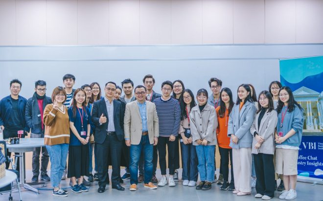 "VinUni Students Invite the Leaders of Grant Thornton Vietnam and VietFund Management to ""Decode"" Finance – Audit Industry"